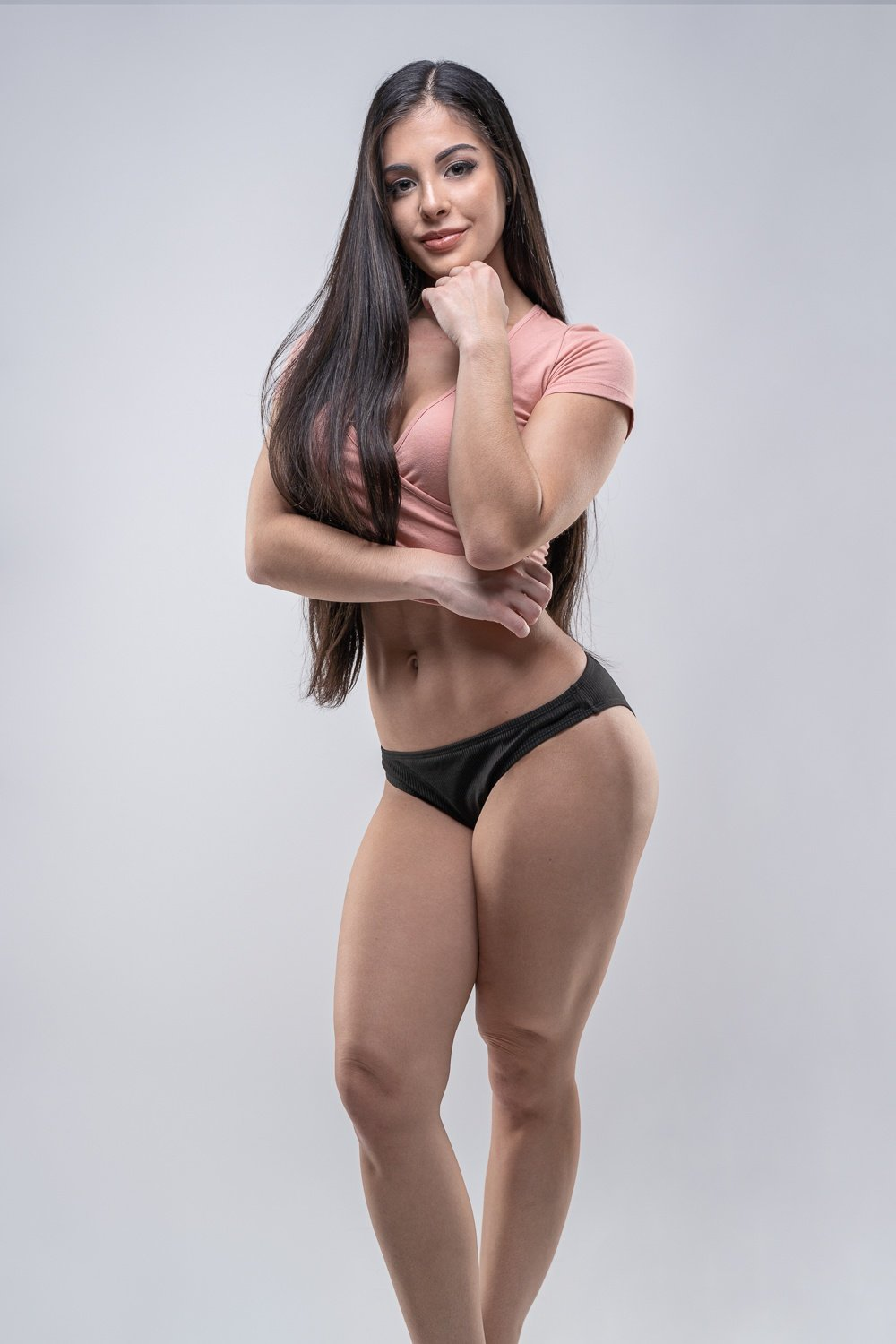 fitness instructor, online fitness coach, online fitness trainer, female fitness model, goldens cast iron kettlebell, goldens cast iron fitness, gym shark woman, green fitness clothing, female fitness model, gymshark fitness gear, gymshark fitness apparel, NPC bikini competitor